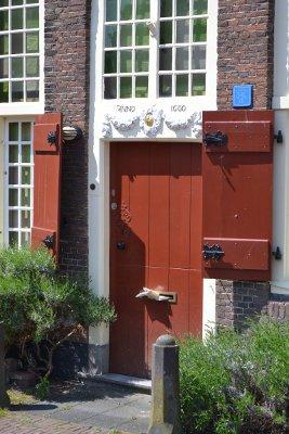 een voordeur op de Herengracht